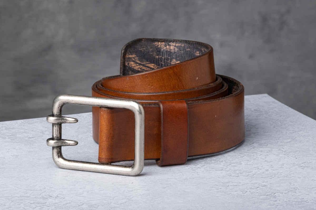 AF Buckle Nº6 with fine leather belt strap
